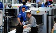 Hành khách 'qua mặt' an ninh Mỹ, đem súng lên máy bay