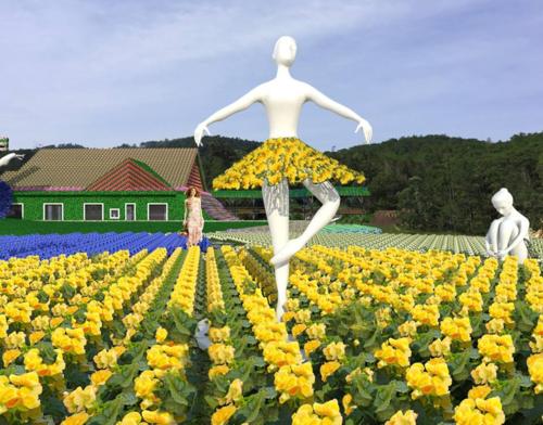 Trên cánh đồng hoa với những dải màu trải dài bất tận, nổi bật là chiếc cối xây gió khổng lồ phủ đầy hoa, mô hình vũ công nhảy múa khoác trên mình những bộ cánh sặc sỡ, ngôi nhà mái chữ A theo lối kiến trúc Pháp được phủ kín đầy hoa, Xích đu tình nhân& tất cả như tạo nên một bản tình ca bất tận. Cây cầu chữ Y với đôi cánh thiên thầngiúp cho du khách có những khoảnh khắc thỏa thích selfie.