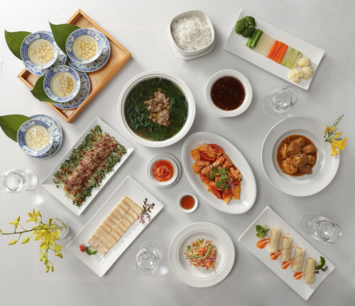 Thực đơn của khách sạn 5 sao không thể thiếu những món ngon thuần Việt được nâng tầm.