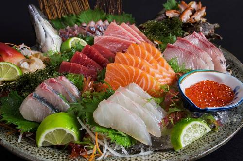 Sushi World là chuỗi nhà hàng chuyên đồ Nhật với 6 cơ sở ở TP HCM.