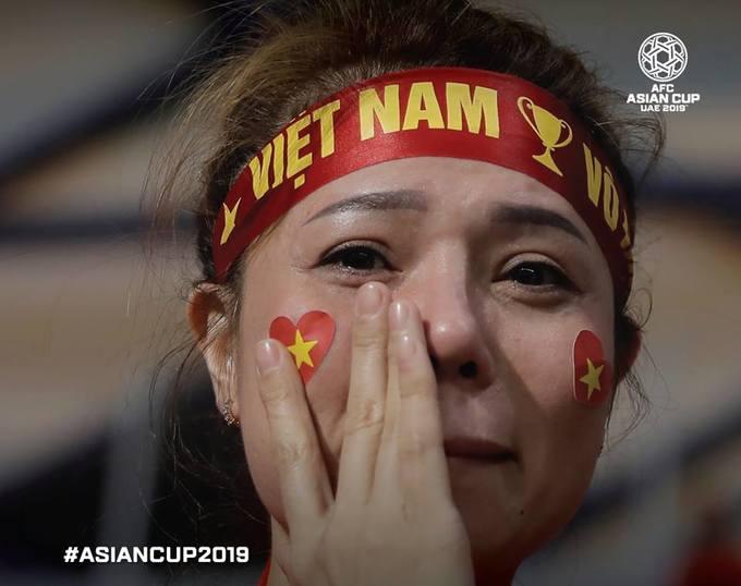 Những nữ du khách xinh đẹp tại Asian Cup 2019