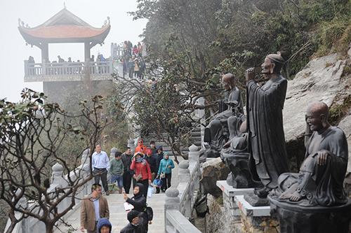 Chiêm bái xá lợi Phật trong lòng Đại Tượng Phật cao nhất Việt Nam - 7