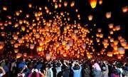 Các lễ hội mùa xuân rực rỡ sắc màu trên khắp châu Á