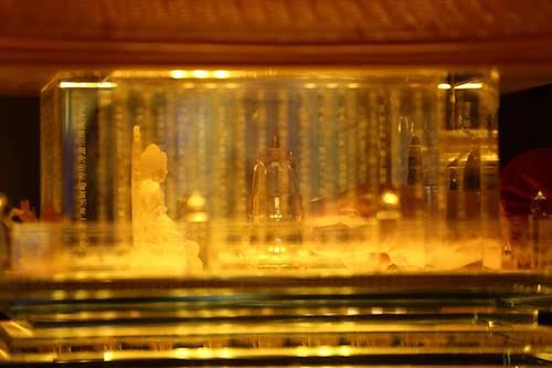 Năm nay, diễn ra đồng thời với lễ hội khèn hoa và không gian văn hóa Tây Bắc tại Sun World Fansipan Legend còn có hội xuân Mở cổng trời Fansipan tại quần thể tâm linh trên khu vực đỉnh. Du khách và Phật tử tới Fansipan dịp này được chiêm ngưỡng xá lợi Phật trên đỉnh thiêng nước Việt.