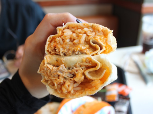 Burrito gà là một trong 10 món ăn được người Mỹ ưa chuộng nhất trong năm 2018. Ảnh: Lindsay DeMunno/INSIDER.