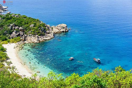 Cam Ranh sở hữu một trong những bãi biển đẹp nhất Việt Nam. Ảnh: ruahayxin.