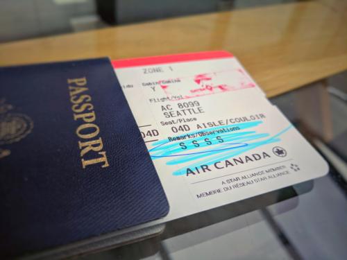 Veronica, một nữ du khách Canada cho biết cô từng cười khổ khi nhìn thấy 4 chữ S xuất hiện trên vé máy bay của mình. Tôi vừa trúng giải độc đắc từ TSA rồi, nữ du khách hài hước nói về điều này. Ảnh: GSTP.