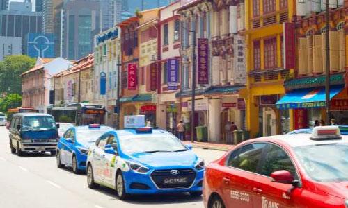 Đi taxi là cách thuận tiện nhất để tham quan vòng quanh thành phố, chỉ cần bạn có sẵn tiền mặt. Ảnh: News.