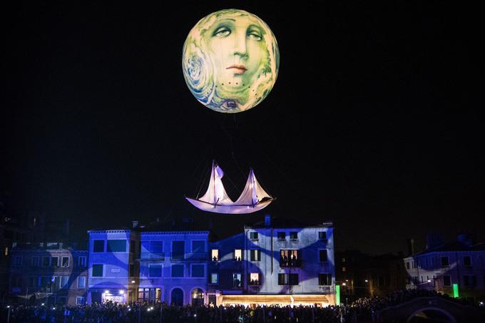 Lễ hội mặt nạ nhiều sắc màu ở Venice