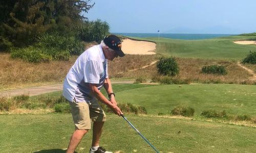 Cựu binh Mỹ đến Đà Nẵng chơi golf mừng sinh nhật thứ 100