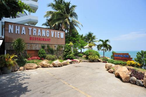 Liên hệ: Nha Trang View - Seafood Restaurant & CafeLầu Ông Tư, Trần Phú, Nha Trang (cách cầu Trần Phú 100m về phía Nam)Hotline 0905120668 - 0913504319. Website: www.nhatrangview.com.vnFacebook fanpage: https://www.facebook.com/nhatrangviewrestaurant
