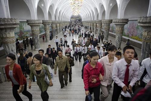 Một trạm tàu điện ngầm tại Triều Tiên. (Ảnh: Business Insider.