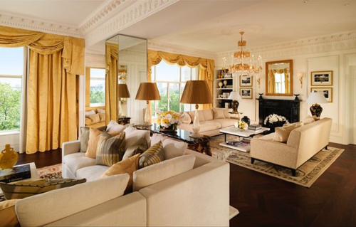 Phòng Tổng thống thiên về thiết kế hiện đại, trong khi các căn phòng Hoàng gia thường được thiết kế theo phong cách cổ điển. Ảnh: CNN.
