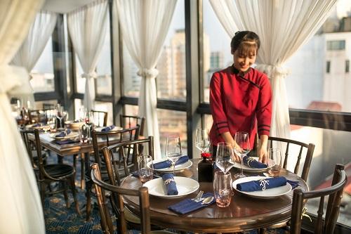 Nhà hàng The Gourmet Corner & Diamond Sky Bar, số 32 Lò Sũ, Hoàn Kiếm, Hà Nội. Hotline: +84 (0) 944 164 13.