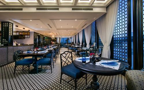 Nhà hàng Red Bean Central & Twilight Sky Bar, số 1 Cầu Gỗ, Hoàn Kiếm, Hà Nội. Hotline: +84 24 39380963.