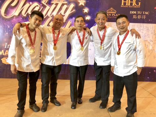 Chuyên gia ẩm thực Singapore chia sẻ đam mê nghề bếp - 1