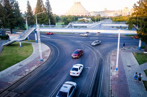Ở Bình Nhưỡng có những tuyến đường thênh thang, khu công viên rộng.