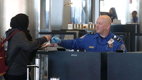 Bí mật của những nhân viên an ninh sân bay