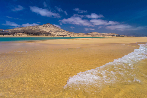 Đảo Fuerteventura còn sở hữu nhiều bãi biển đẹp, cát mịn khác. Ảnh: Hello canary islands.