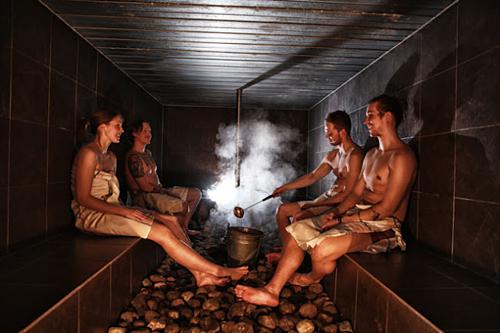 Người dân Phần Lan rất thích đi tắm sauna cùng nhau. Ảnh: Visit Finland.