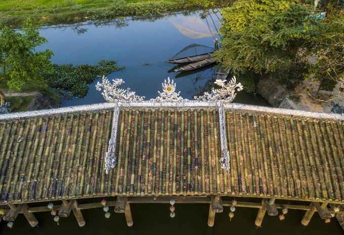 Cây cầu ngói hơn 240 năm tuổi ở Thừa Thiên Huế