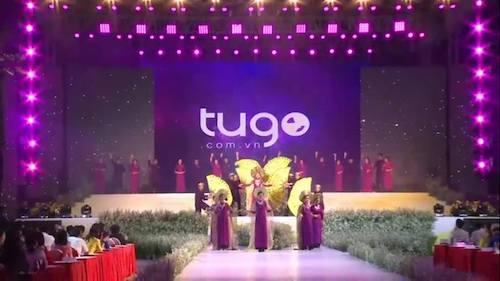 Ý nghĩa tiết mục dòng máu lạc hồng của Tugo trong đêm thi áo dài