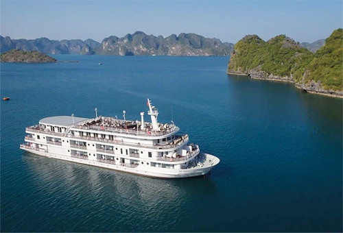 Bạn có thể tận hưởng hành trình đi du thuyền với các voucher ưu đãi mua tại Travel Fest.