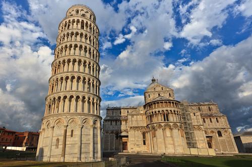 Tháp nghiêng Pisa là một trong những hình ảnh gợi nhớ tới Italy.