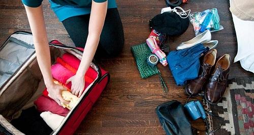 Bạn nên đem vừa đủ quần áo để vali không quá nặng.