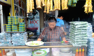 10 món ăn đường phố hấp dẫn ở Quy Nhơn