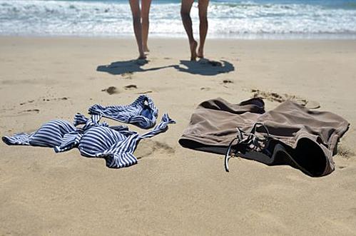 Người Pháp vốn phóng khoáng nhưng vẫn có các quy định về trang phục ở một số bãi biển. Ảnh minh họa: Florida Today.