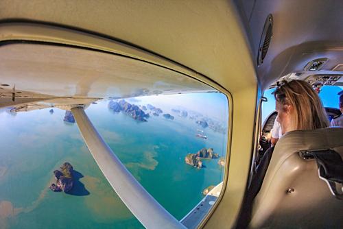 Góc nhìn Vịnh Hạ Long đẹp nhất từ độ cao 150m. Ảnh:Seaplanes.