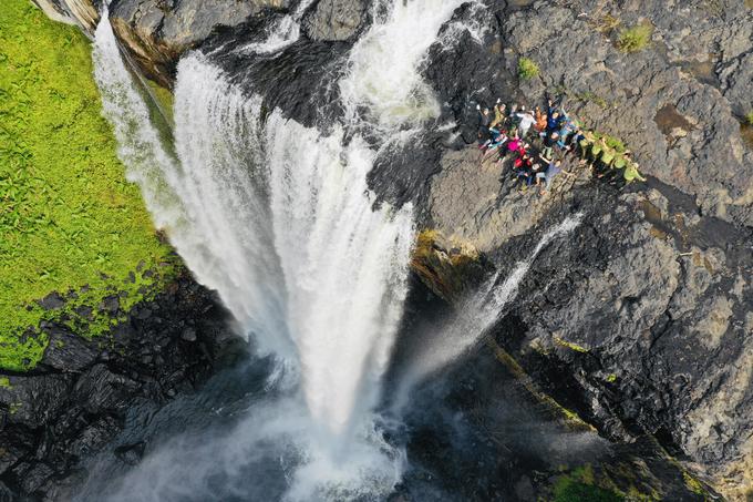 Trekking thác Hang Én giữa đại ngàn Gia Lai
