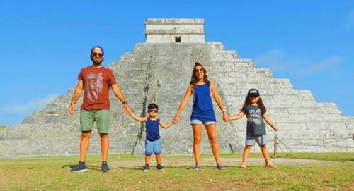 Gia đình đã đi đến 21 quốc gia trong vòng 12 tháng. Ảnh: The Flip Flop Family.