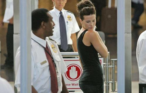 Lời thú nhận gây sốc của nhân viên an ninh sân bay - ảnh 1