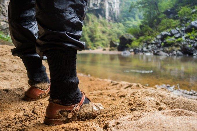 Màn cầu hôn hiếm có trong Sơn Đoòng - hang động lớn nhất thế giới