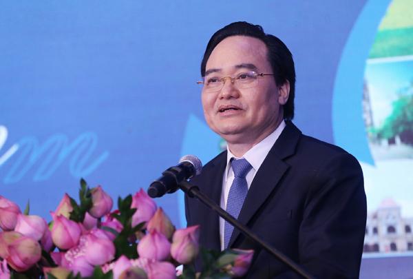 Giáo sư - Tiến sĩ Phùng Xuân Nhạ - Bộ trưởng Bộ Giáo dục và Đào tạo.