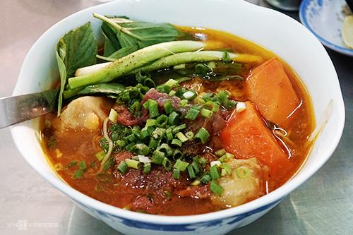 Hủ tiếu bò kho Nguyễn Công Trứa