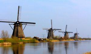 Ngôi làng cối xay gió khổng lồ ở Hà Lan