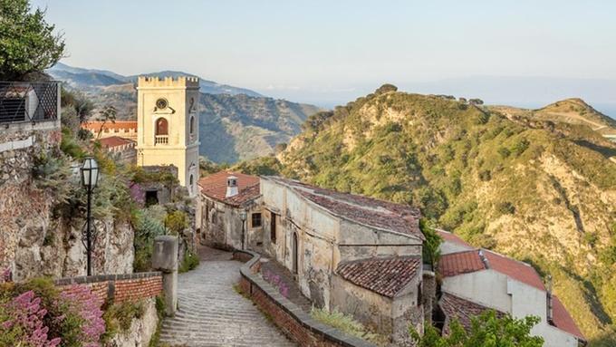 Bên trong 'thánh địa' mafia hút hàng triệu khách mỗi năm ở Italy