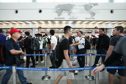 Trong khi việc miễn thị thực còn nhiều bất cập thì E-visa được xem là giải pháp tối ưu để ngành du lịch đón thêm khách quốc tế có mức chi tiêu cao. Ảnh: Khương Nha.