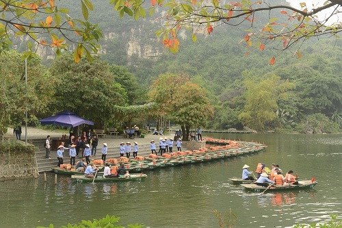 TST tourist tung nhiều hành trình mới phục vụ du khách dịp hè - ảnh 2