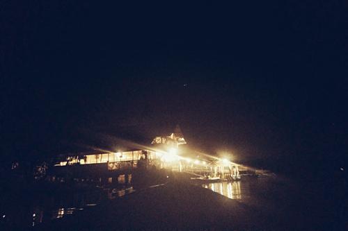 Tour ngắm đom đón ở Puerto Princesa thường bắt đầu từ chập tối và kết thúc vào đêm muộn.