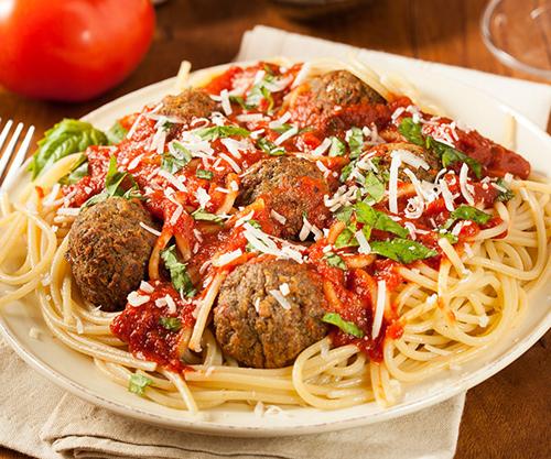 Khẩu phần ăn ở Mỹ thường rất lớn là nhận xét của nhiều du khách. Ảnh: Webstaurant Store.