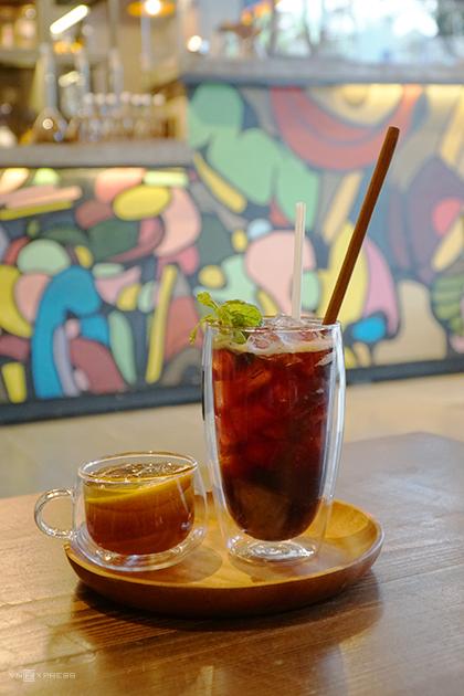 Quán cà phê ở Sài Gòn cho khách tự pha chế như làm thí nghiệm - ảnh 4