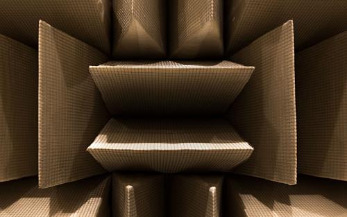 Các bức tường, sàn và trần nhà được bao phủ trong những miếng bọt bằng sợi thủy tinh khổng lồ để ngăn mọi âm thanh vọng lại. Ảnh: Microsoft.
