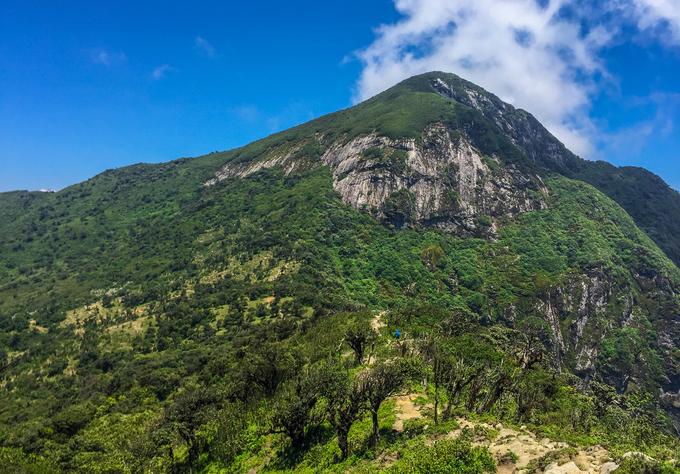 Hai ngày chinh phục đỉnh Ky Quan San cao 3.046 m ở Lào Cai