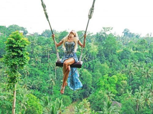 Trải nghiệm đu dây Bali Swing khi du lịch Indonesia - ảnh 2