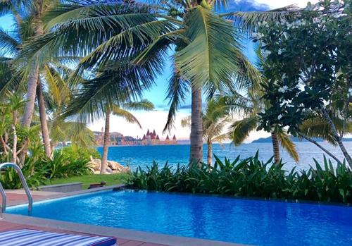 Nhiều khách đặt phòng có tầm nhìn ra biển, nhưng sau đó lại muốn được giảm giá bằng phòng có view nhìn ra sân vườn. Ảnh: Kim Ngọc.