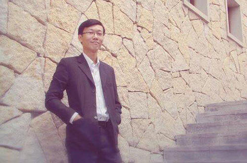 Anh Bảo hiện là đại diện chủ đầu tư một khách sạn cao cấp ở Đà Nẵng.